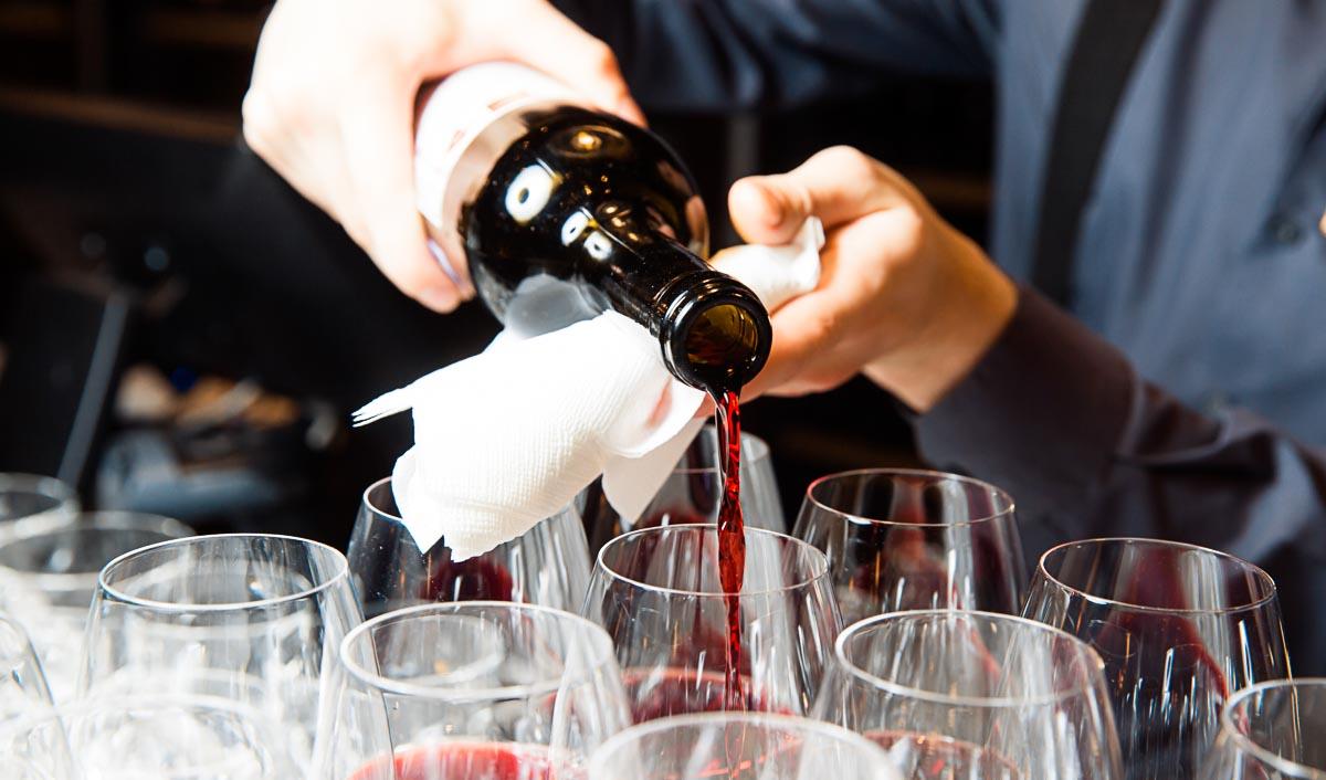 Wer eine besondere Hochzeit will, sollte ebenfalls auf hochwertige Getränke zurückgreifen.