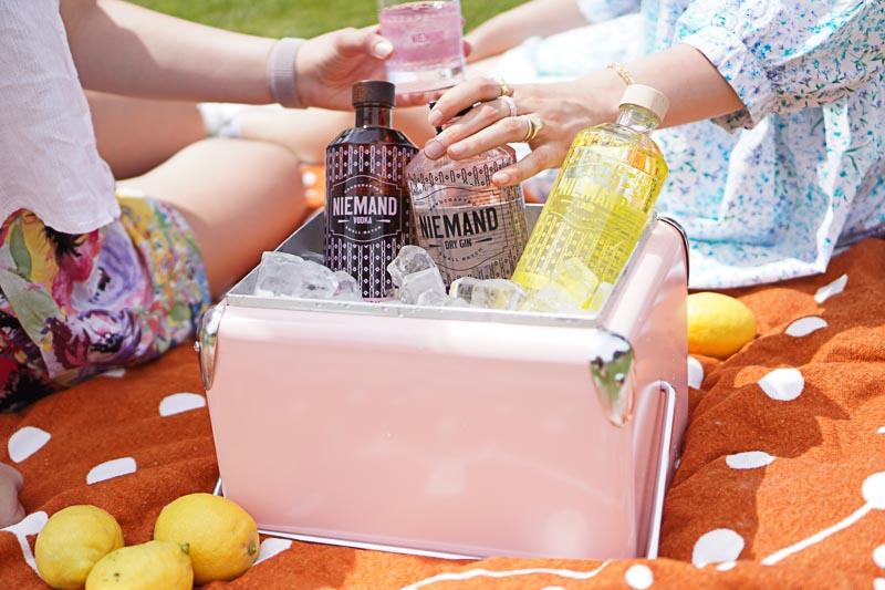 Der Niemand Gin vereint Individualität & Charakter - wie alle anderen Niemand Spirits übrigens auch!