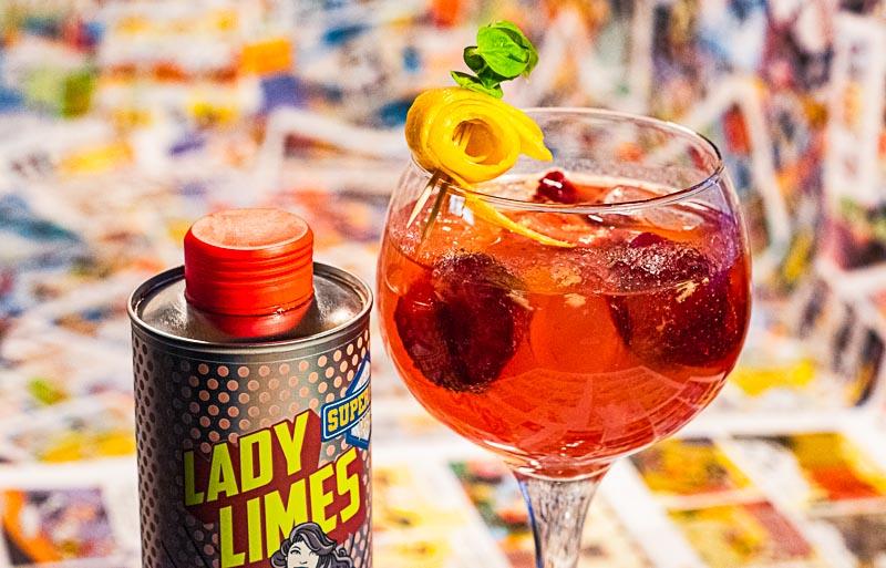 Auch als Fizz macht der Lady Limes Erdbeerlimes eine gute Figur