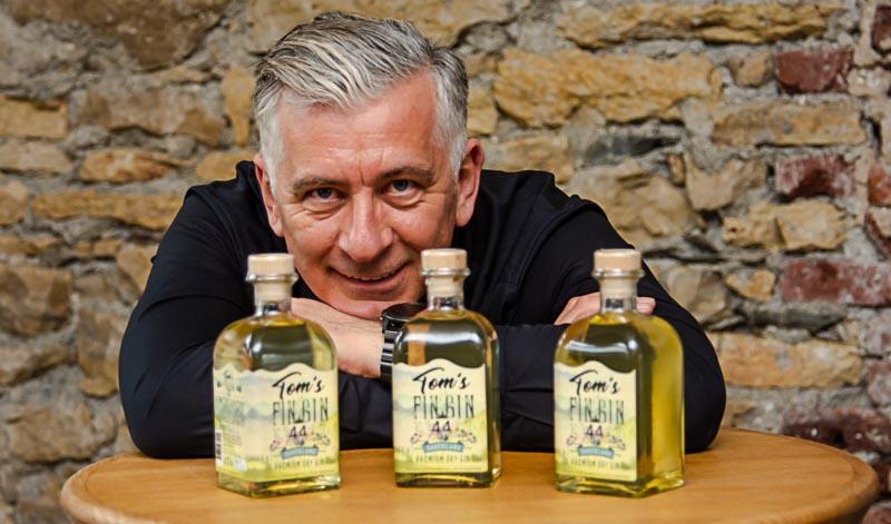 Tom's Fin Gin 44