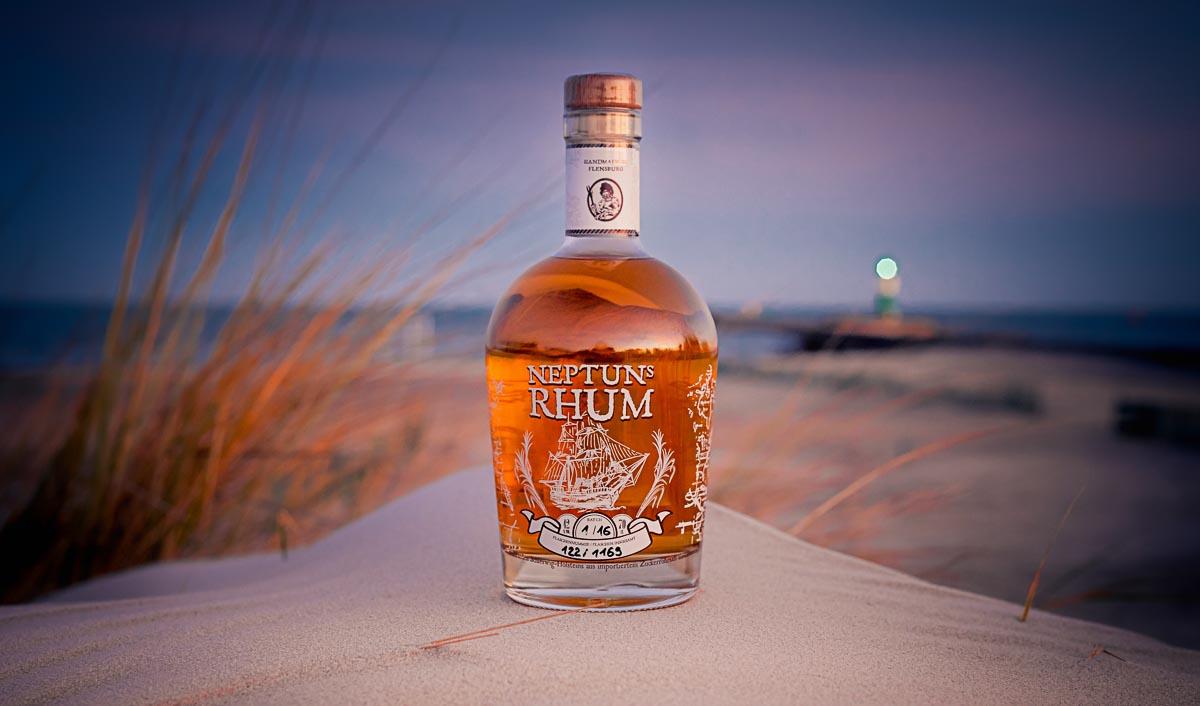 Dolleruper Destille Neptuns Rhum agricole Beauty Shot