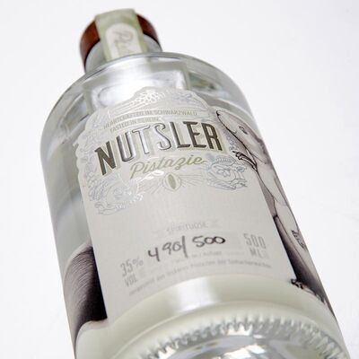 Nutsler Pistazie - Pistazienspirituose Beauty Shot