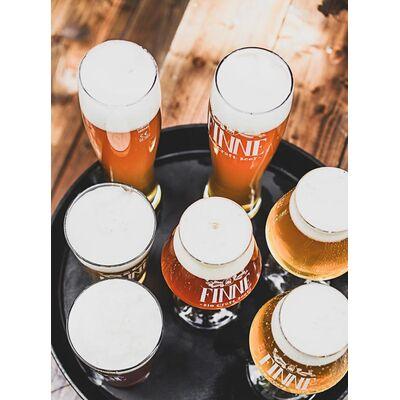 6 Flaschen im Geschenkset & 2 Finne Sensorikgläser (Helles + IPA + Pils + Scottish Ale + Beach Brew + Naturradler) 3