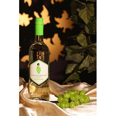Prinzessin Weinchen trinkt Scheurebe - Weißwein 2